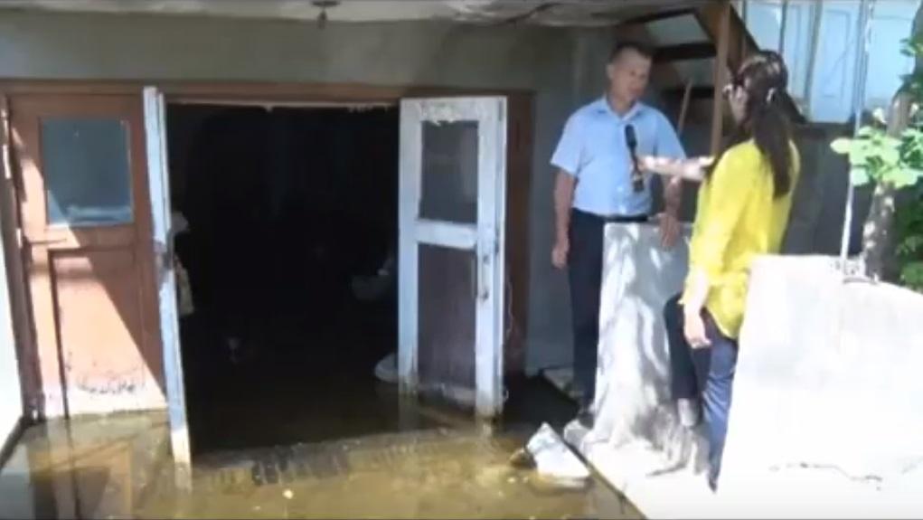Подземные воды затапливают дома жителей Комрата
